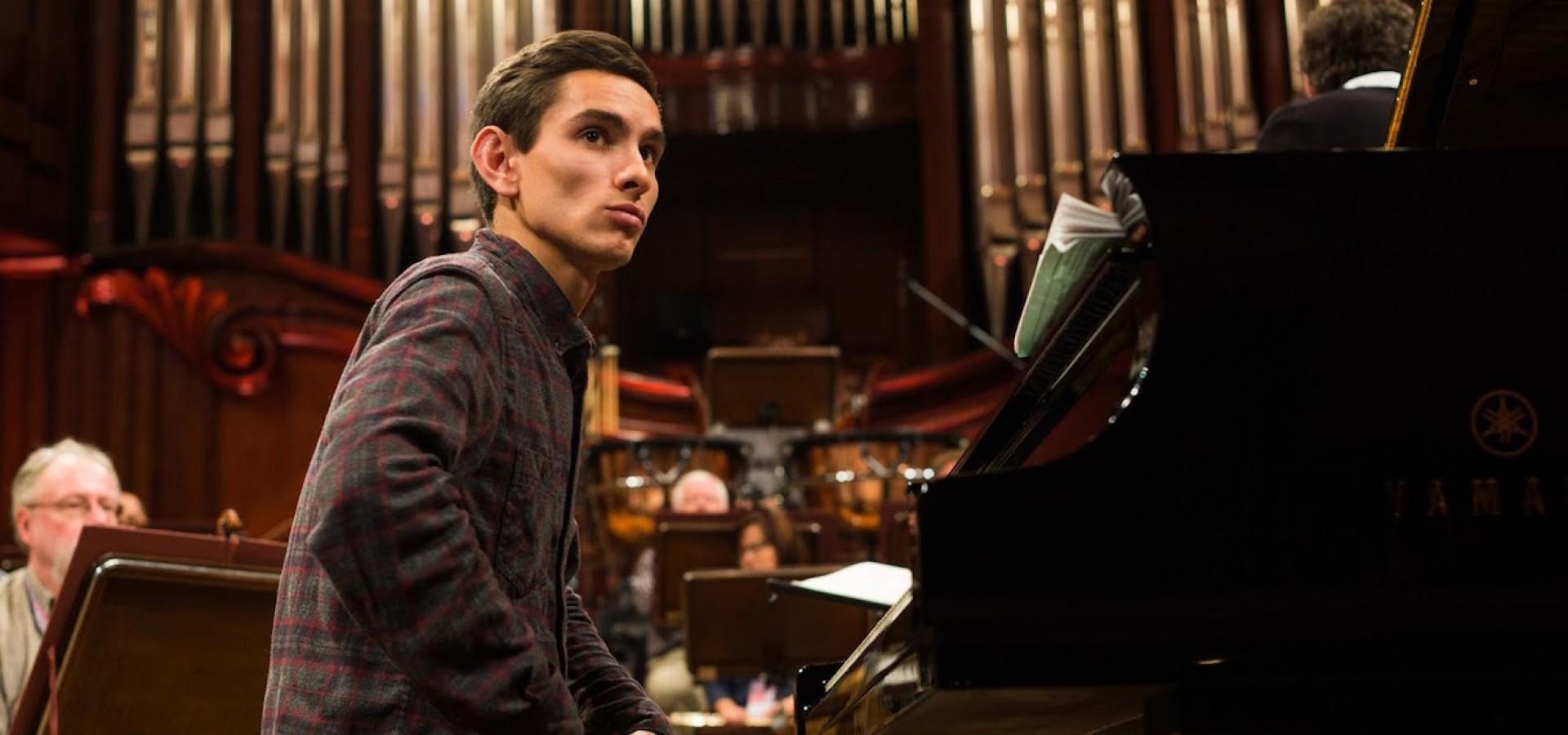 Дмитрий Шишкин (фортепиано). Концерт в оранжерее ВДНХ фото