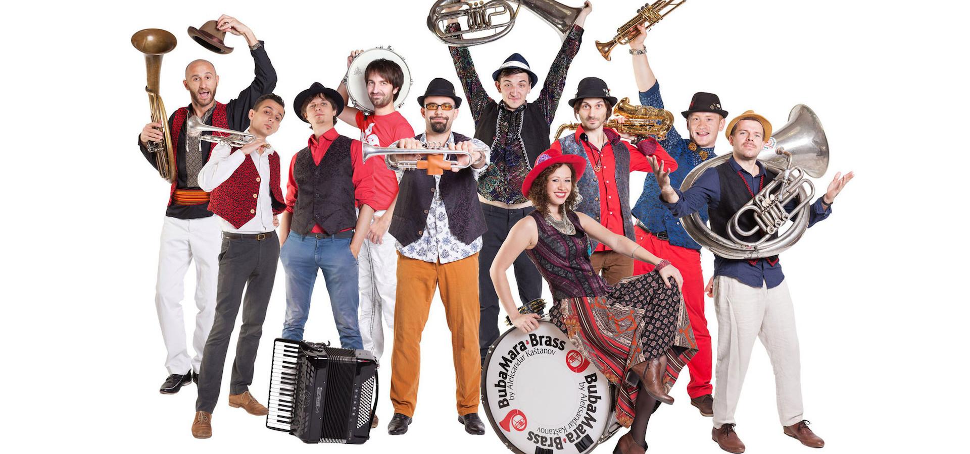 Bubamara Brass Band. Балканские танцы. Концерт в оранжерее фото